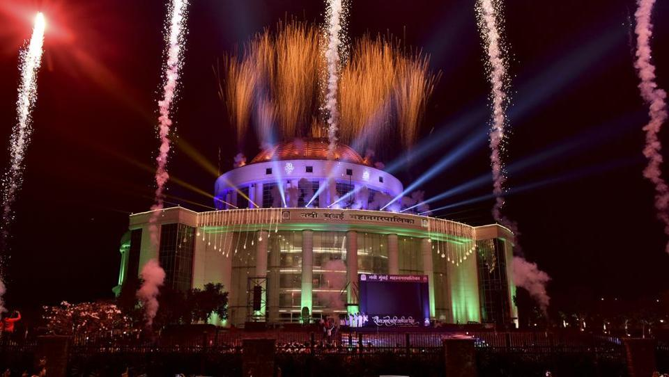 Fireworks at the Navi Mumbai Municipal Corporation headquarters light up the New Year's Eve in Navi Mumbai.  (Bachchan Kumar / Hindustan Times)