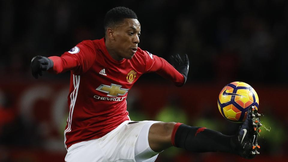 Manchester United FC boss Jose Mourinho has warned Anthony Martial he must listen to him rather than his agent if he wants to be a success at Old Trafford.