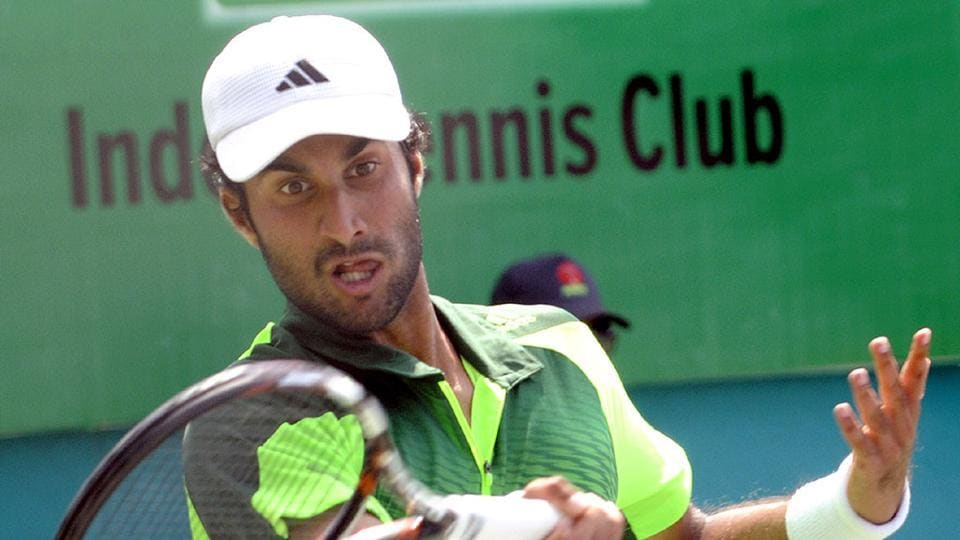 Yuki Bhambri qualified for the singles main draw of the Chennai Open with a fluent 6-3 6-1 win over Argentine Nicolas Kicker
