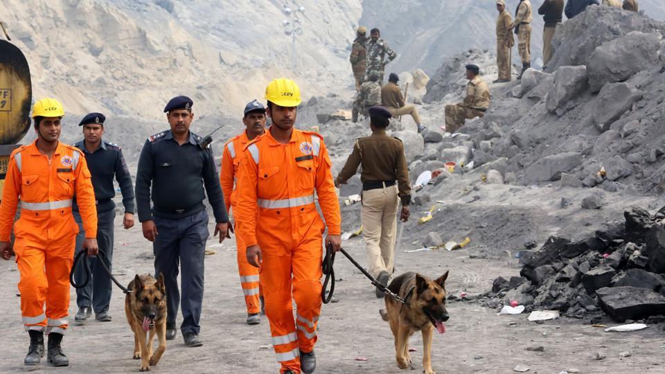 Coal mine collapse,Lalmatia colliery,Mine mishap