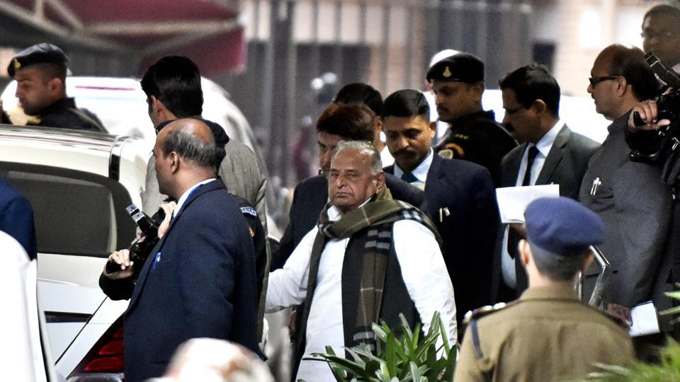 Samajwadi Party leader Mulayam Singh Yadav leaves the Nirvachan Sadan after meeting with the Chief Election Commissioner, in New Delhi on Monday.