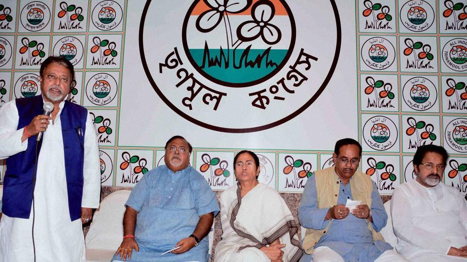 West Bengal chief minister and Trinamool Congress supremo Mamata Banerjee with party leaders Mukul Roy, Sudip Bandopadhyay, Subrata Bakshi and Partha Chatterjee during a meeting at her residence in Kolkata.