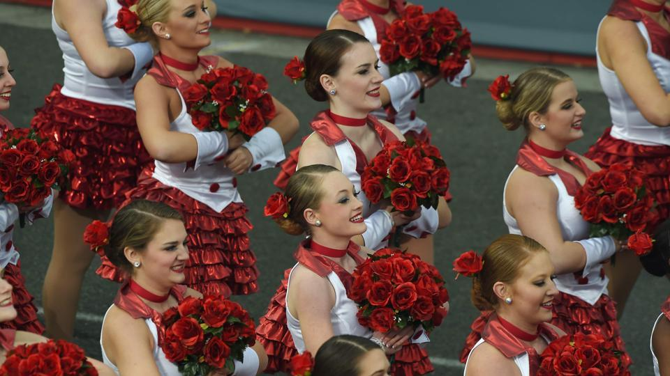 Performers open the 128th Rose Parade in Pasadena, California. (AFP Photo)