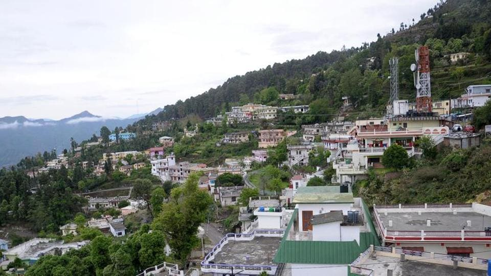Number of voters in Pauri increased from 62,000 to 85,182 in 2012 after delimitation of the constituency.