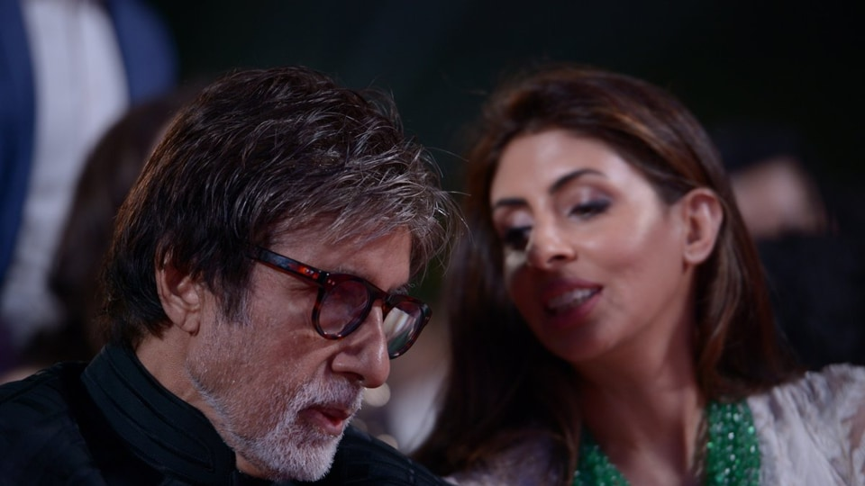 Amitabh Bachchan with daughter Shweta at an event.