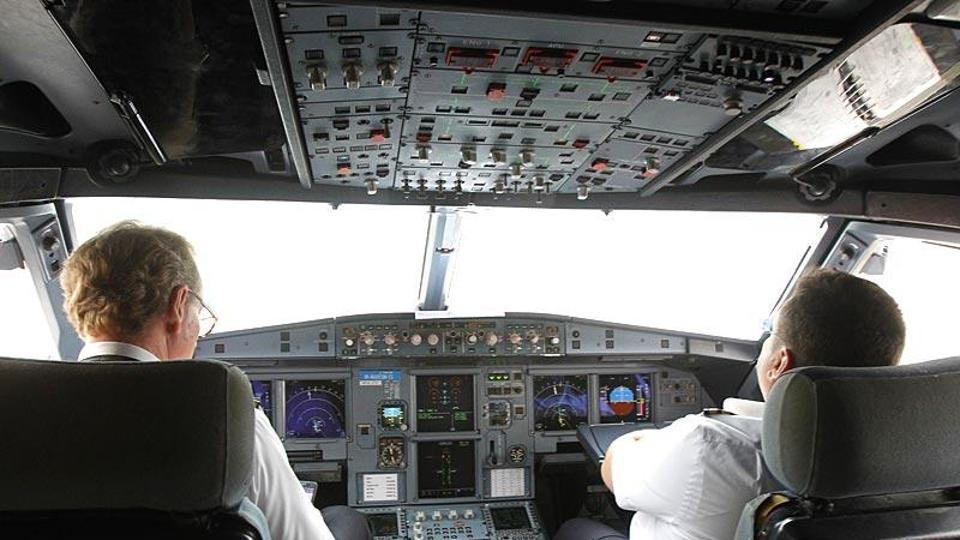 Sunwing Airlines,Boeing 737,Drunk pilot