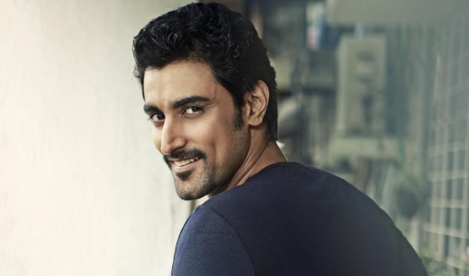 Actor Kunal Kapoor says he does not fear failure, rather tries to do his best in whatever comes his way.