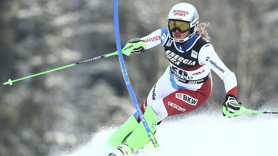 Switzerland's Denise Feierabend in action at the  FIS Alpine Skiing World Cup  in Croatia.   (Antonio Bronic  / REUTERS)