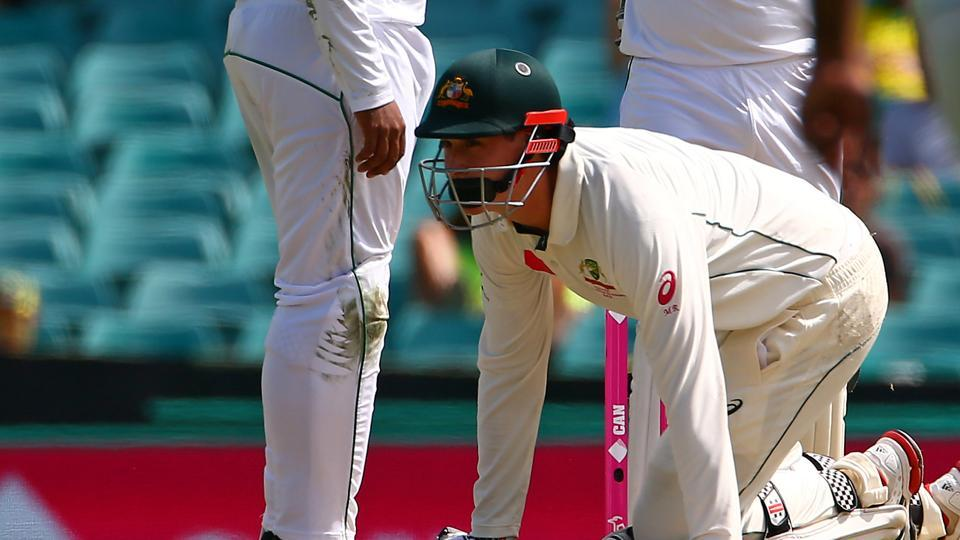 Renshaw suffered a blow on the helmet when he neared the 90s from Mohammad Amir but he was deemed fit to carry on batting. (REUTERS)