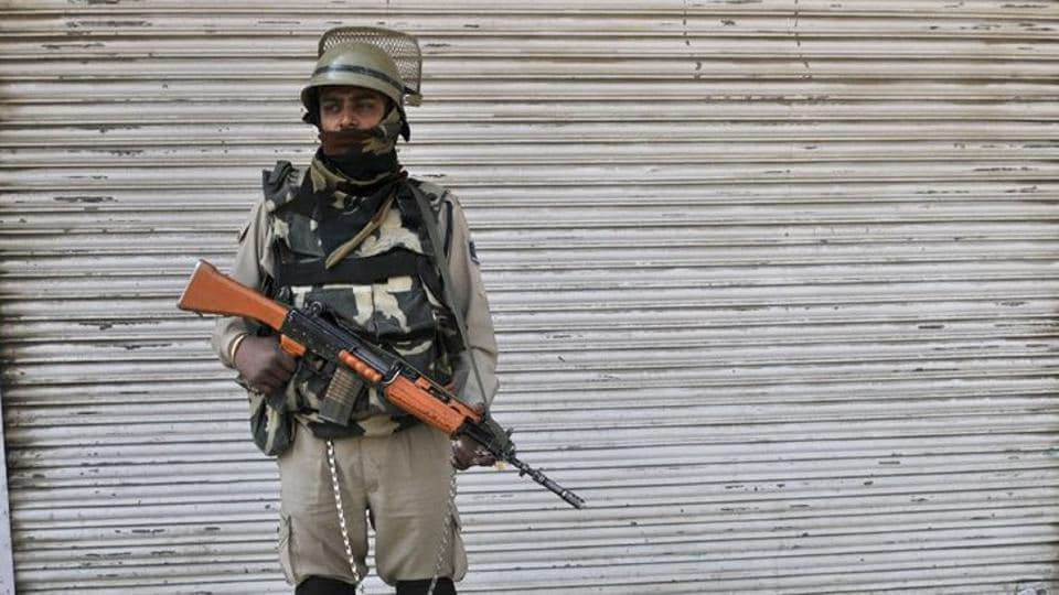 Representative Photo. A CRPFofficer was critically injured in an attack by militants in Pulwama district of J-K, January 3, 2017.