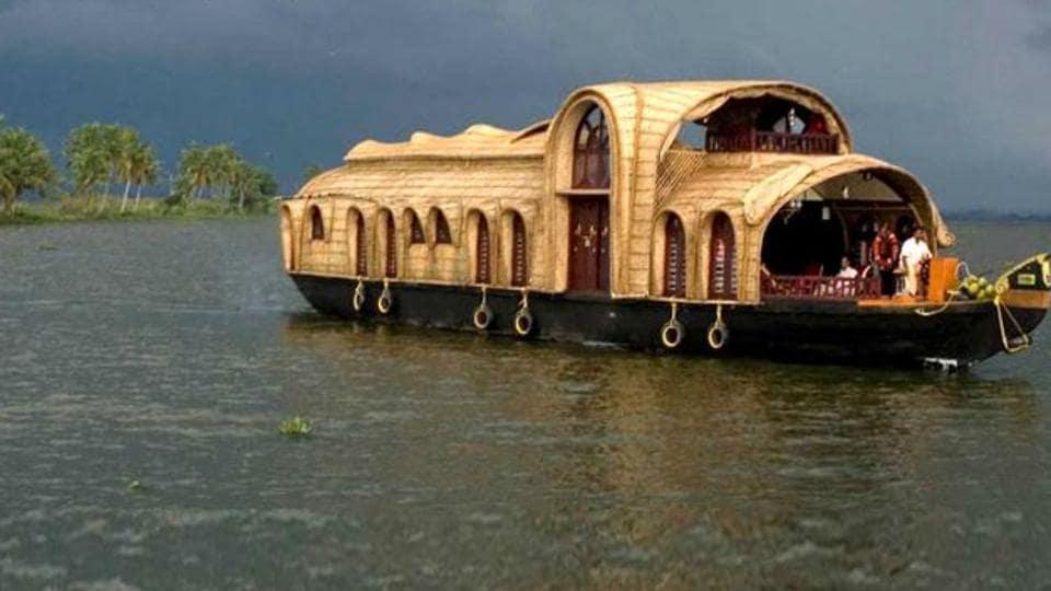 Kerala tourism,Kerala tour,Kerala tourism demonetisation impact