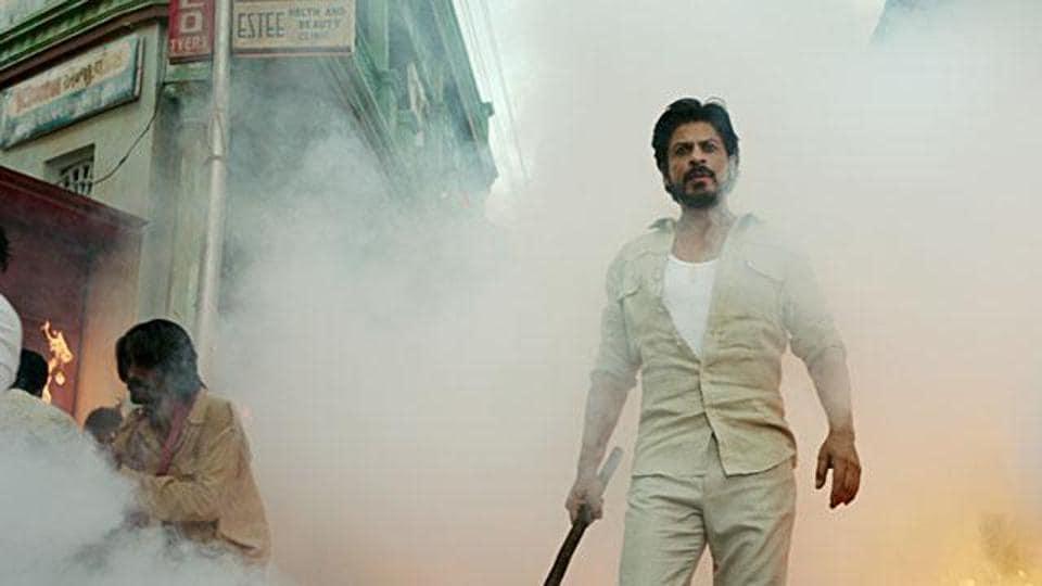 Shah Rukh Khan's Raees will clash with Hrithik Roshan's Kaabil at the box office.