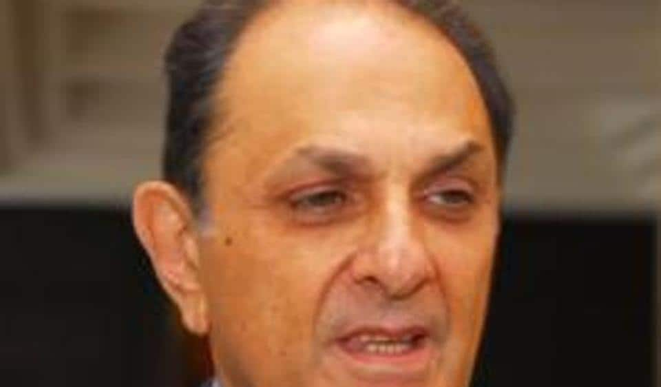 Nusli Wadia's 137-year-old flagship Bombay Dyeing and Manufacturing Company has drawn up a major strategy to revive its textile retail business and is looking for a turnaround in 2017-18.