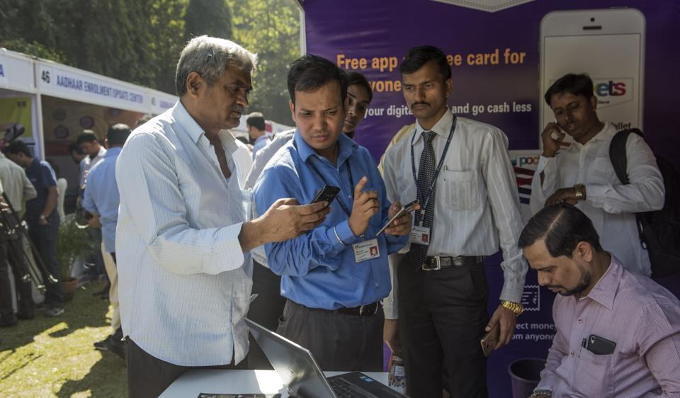 Around 400-500 taxi and auto rickshaw drivers from the city and the suburbs participated in the mela, at the Mumbai University campus at Fort.