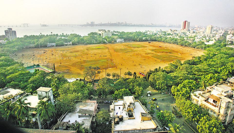 The state cabinet on Tuesday decided to move the city's Republic Day parade back to its traditional venue of Shivaji Park.