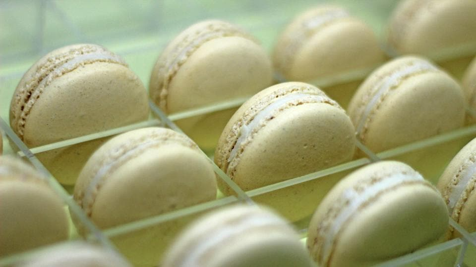 Gingerbread Macaroons with white chocolate Ganache filling