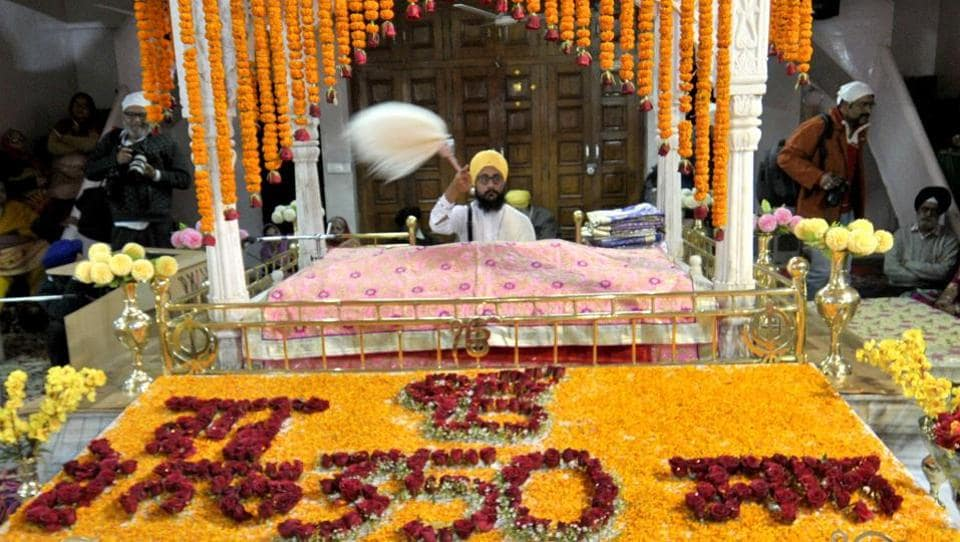 Sector 34 gurdwara decorated with flowers on the occasion of gurpurab on Thursday. (Ravi Kumar/HT Photo)