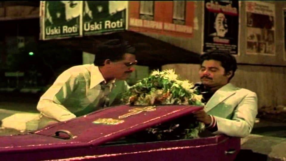 Jaane Bhi Do Yaaro best scenes,Jaane Bhi Do Yaaro Om Puri,Om Puri dies of a heart attack -- Om Puri