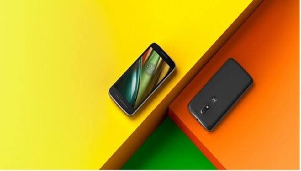 The company will share the Moto Mods Development Kit (MDK) allowing developers to come up with better ideas, it said in a statement on Friday.