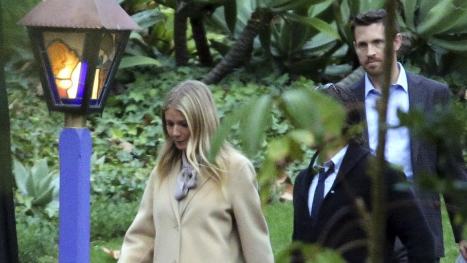 Gwyneth Paltrow leaves a memorial service at the homes of Debbie Reynolds and her daughter Carrie Fisher .