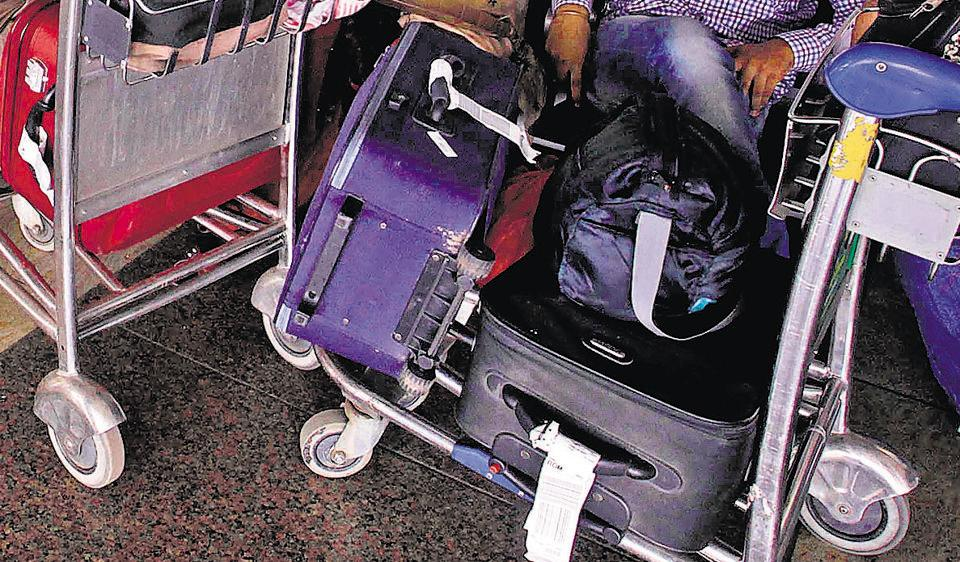After reaching Delhi at noon on January 2, the Sehgals discovered that two bags containing their clothes and essentials had not arrived.