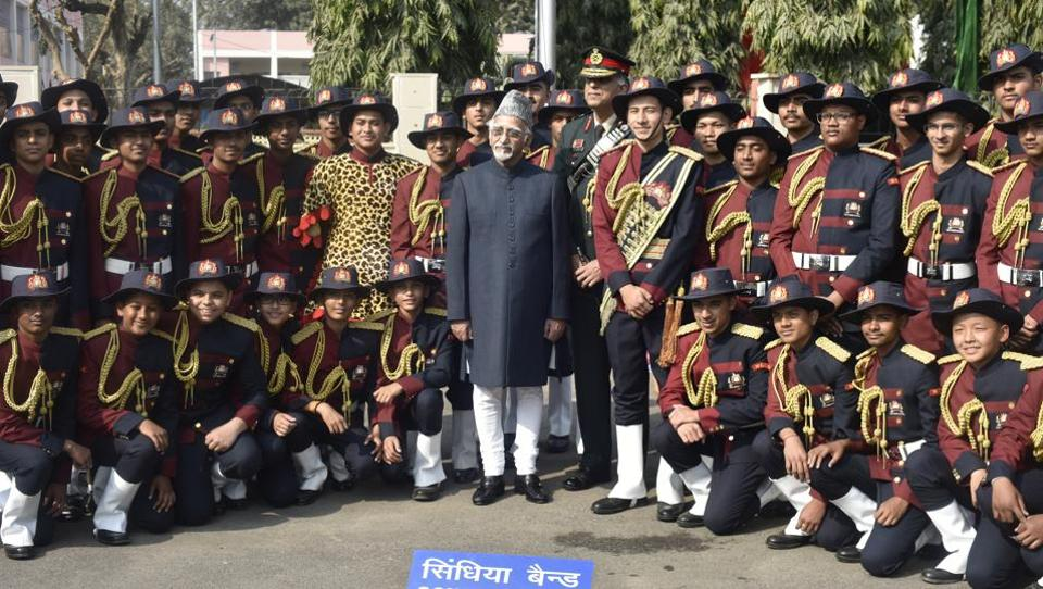 Vice-president Hamid Ansari poses with students of Scindia School Band after inaugurating the NCC Republic Day Camp on Friday.  (Vipin Kumar/HT PHOTO)