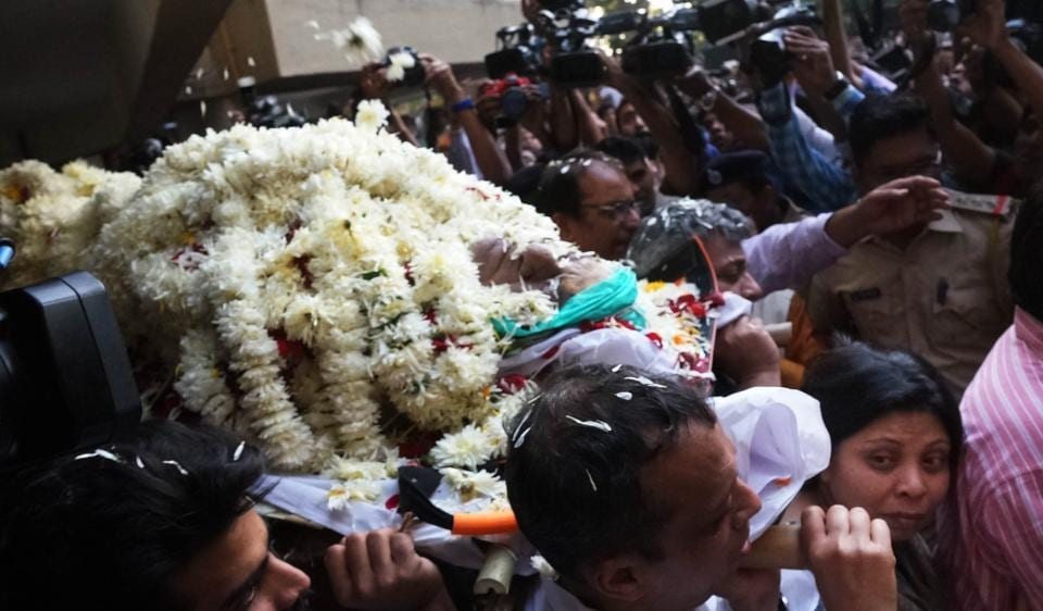 Relatives and friends of Bollywood actor Om Puri carry his body during the funeral in Oshiwara on Friday.