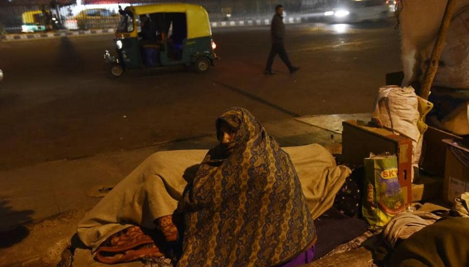 In the constant noise and little space, many struggle to sleep. (Saumya Khandelwal/HT PHOTO)