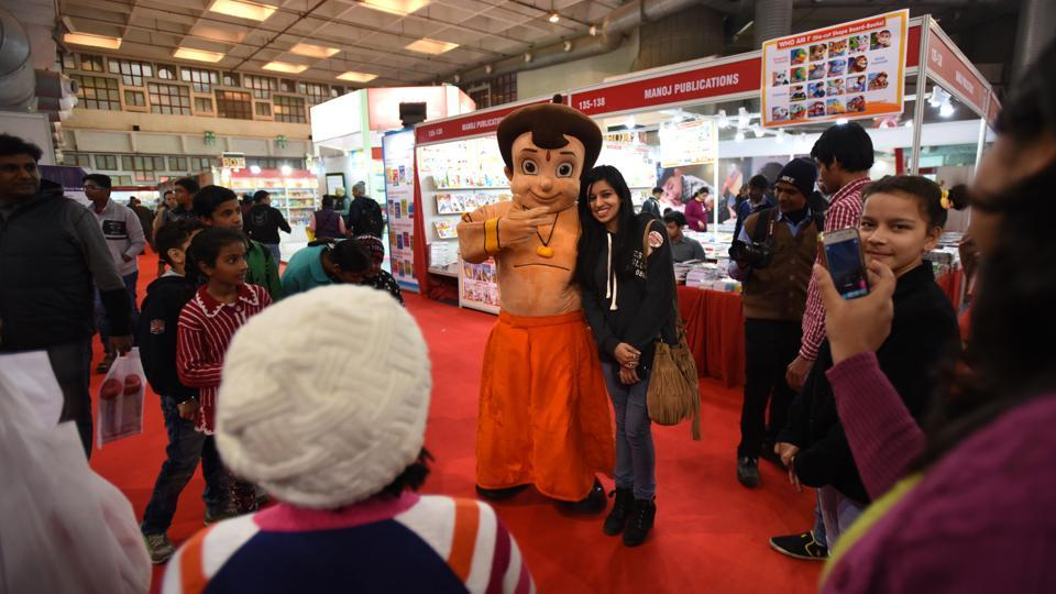Books lovers visit World Book Fair that kickstarted here on Saturday afternoon at Pragati Maidan. (Virendra Singh Gosain/HT PHOTO)