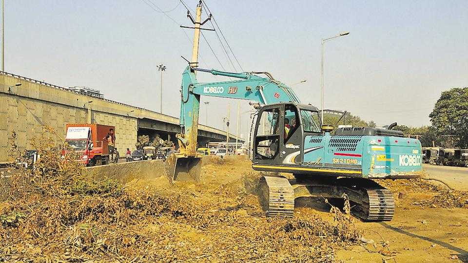 Underpass work has started at Iffco Chowk on Delhi-Gurgaon Expressway.