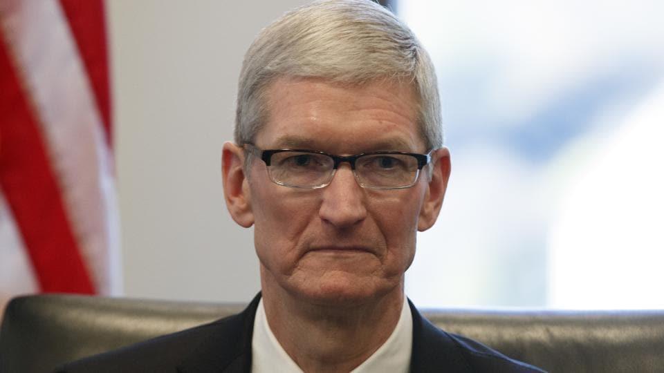 Apple CEO,Tim Cook,iPhone sales slump