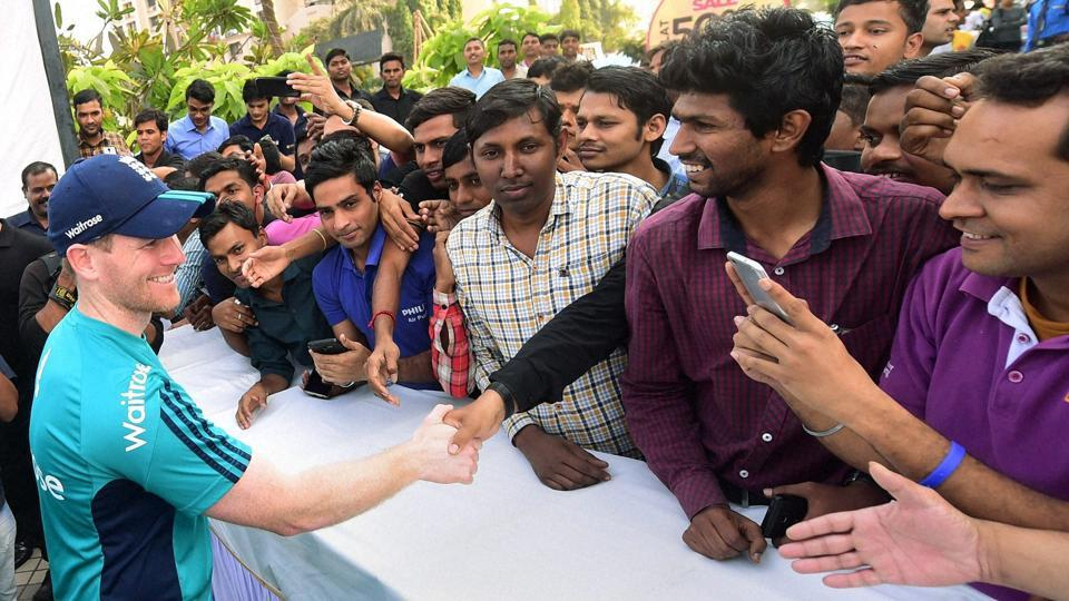 England arrived to a wonderful reception at Brabourne stadium in Mumbai ahead of their warm-up game against India A on January 10. (PTI)