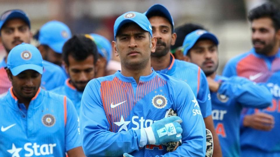 short essay on ms dhoni in english