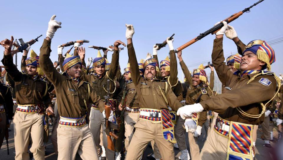 Central Reserve Police Force (CRPF) personnel dance as they rehearse for the forthcoming Republic Day parade at Rajpath in New Delhi on January 4.  (Arun Sharma/HT PHOTO)
