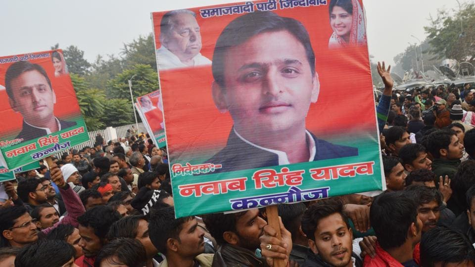 AkhileshYadav is likely to ride solo in the 2017 state assembly election.