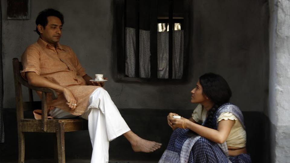 Srijon Bardhan's Postmaster stars Ishan Mazumdar and Pujarini Ghosh.