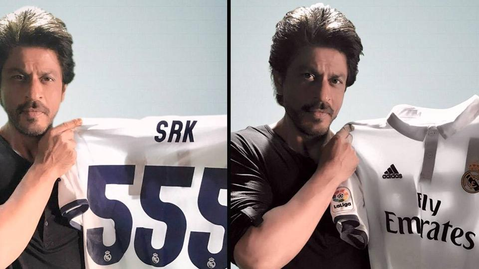 new arrive b2665 d3a7c Shah Rukh Khan presented with Real Madrid C.F. jersey ...