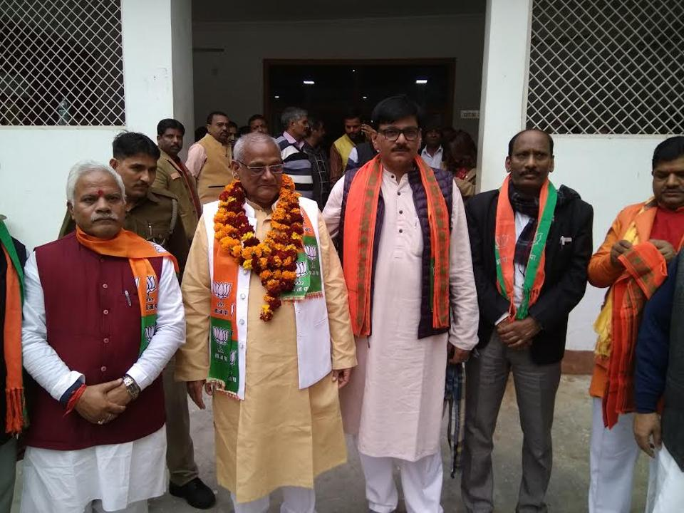 Dhirendra Singh (centre), who drove Congress vice-president Rahul Gandhi to Bhatta Parsual on his bike at the height of the farmers' agitation, has quit the party and joined the BJP.