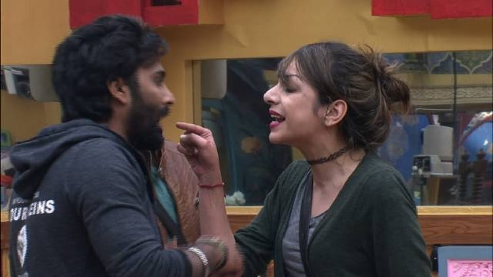 Nitibha Kaul and Manveer Gujjar in an ugly fight on Bigg Boss 10.