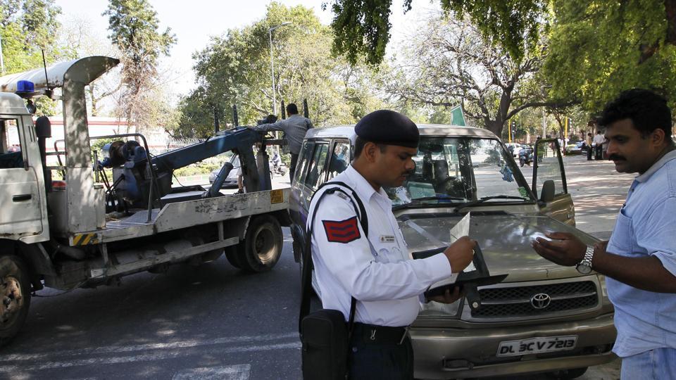 NGT notice to Delhi govt over NOC to old diesel vehicles | delhi ...
