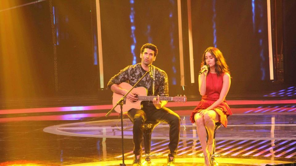 Aditya Roy Kapur and Shraddha Kapoor at the promotion of film Ok Jaanu on the sets of a reality TV show.