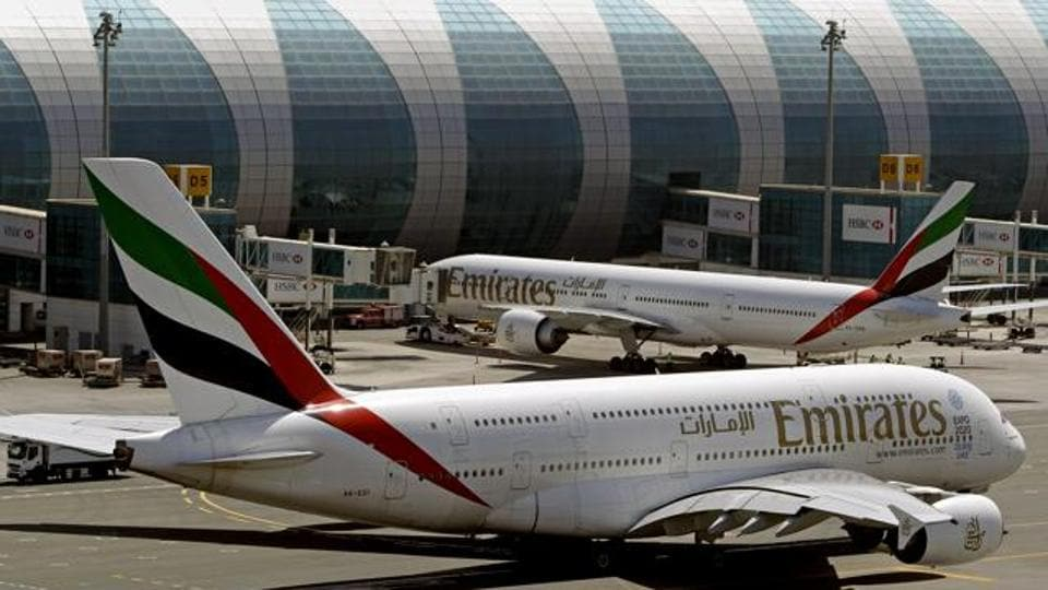 Snakes on a plane,Emirates,Muscat airport