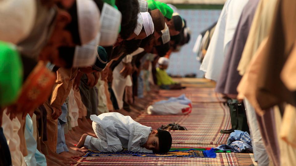Pakistan,Uniform prayer timings in Pakistan,Shia Sunni