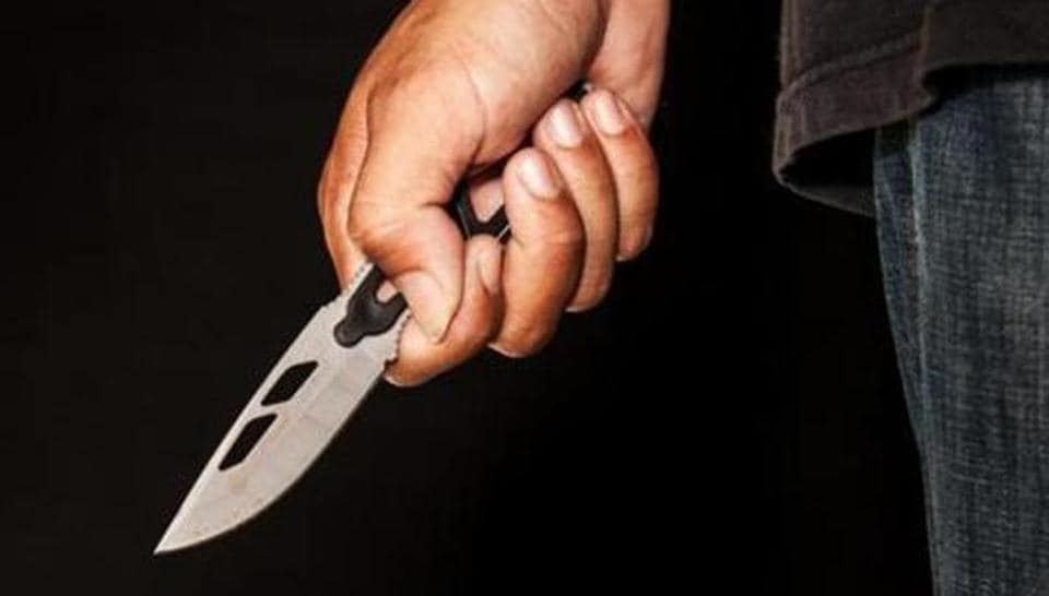 Harassment,Gorakhpur,Man's hand chopped off