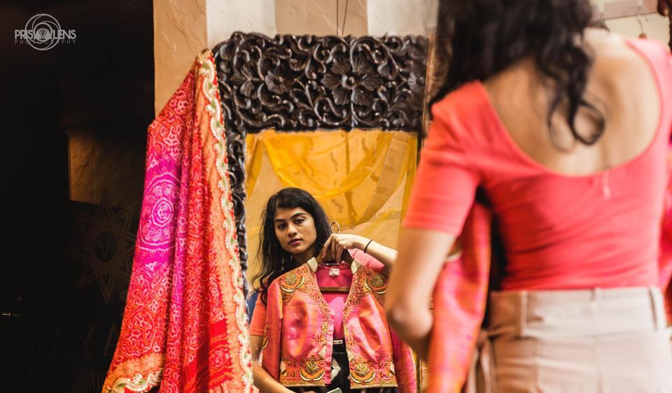 A bride shopping at Asha And Gautam's store in Delhi.