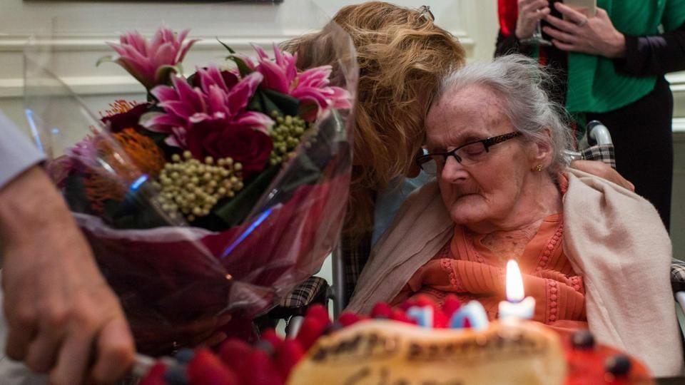 Clare Hollingworth,Clare Hollingworth dies,Journalist Clare Hollingworth