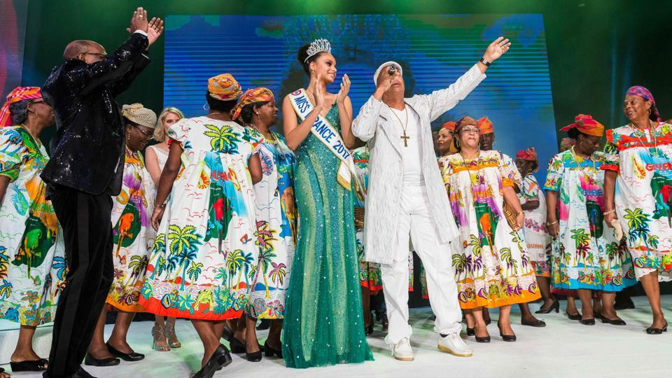 Miss Guyana 2016 and newly elected Miss France 2017 Alicia Aylies (C,L) stands on stage during a show on January 9, 2017 in Cayenne. (jody amiet / AFP)