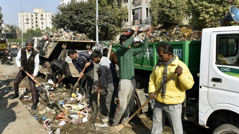 Delhi civic mess,Delhi garbage crisis,Fourth Finance Commission
