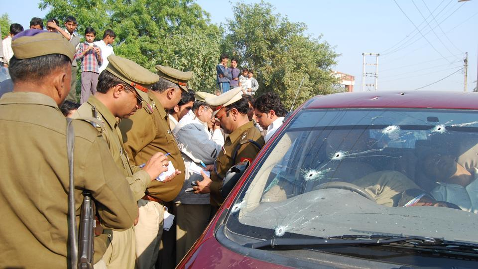 Pehlawan and his henchmen opened fire on property dealer Satish Yadav and his security guard, Dharmendra Yadav as they were driving home from a wedding party.