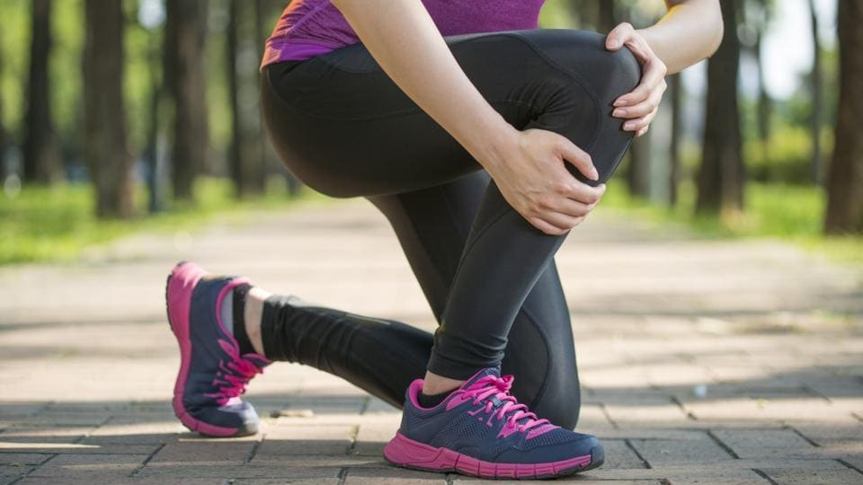 It's not the weather that's giving you back pain and osteoarthritis - health and fitness - Hindustan TimesIt's not the weather that's giving you back pain and osteoarthritis - 웹